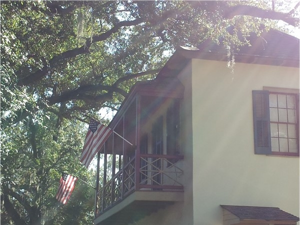 Surprise balcony in Madisonville