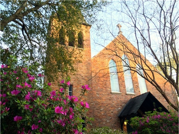 Christ Episcopal Church in downtown Covington.  So beautiful when the azaleas are in bloom.