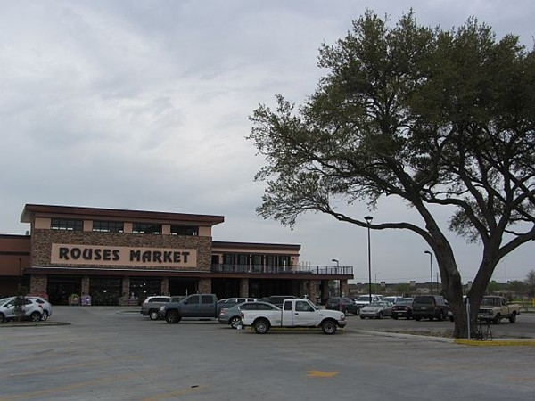 Rouses Market third location,on Johnston and Doc Duhon, is now open