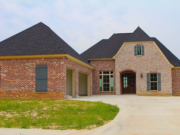 Bayou Trace features Acadian-style homes located in the sought-after Sterlington school zone
