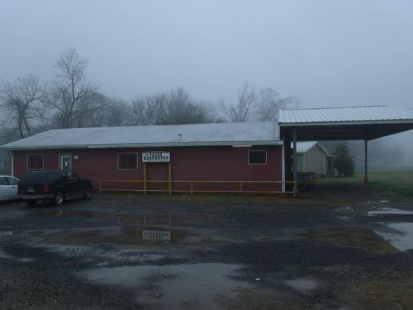 The Teche Roadhouse. A local landmark since the 1940's