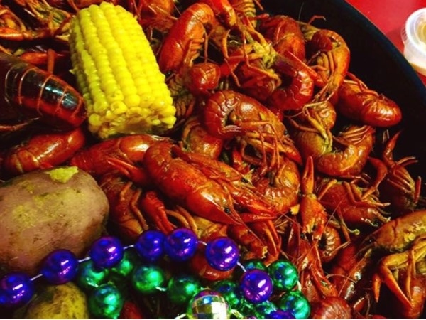 Fun day at Mardi Gras Parade then some crawfish at Steamboat Bill's