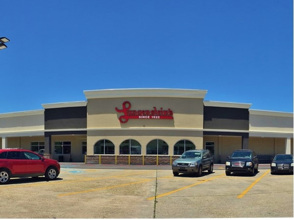 River Ridge's third grocery to go along with Breaux Mart and Winn-Dixie