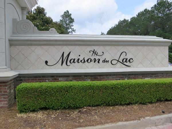 Elegant entrance to Maison du Lac