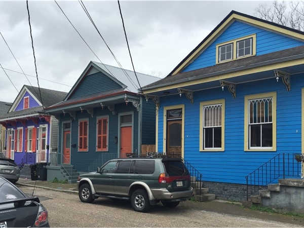 Colorful homes on a cloudy day in the historic Irish Channel Neighborhood