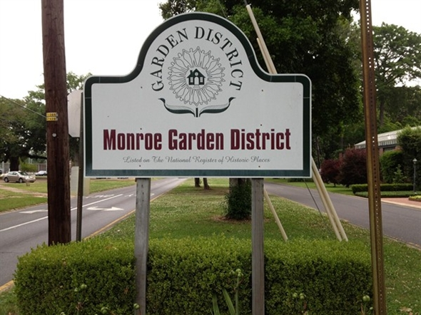 The Monroe Garden District Offers Beautiful Parks And Historic Homes