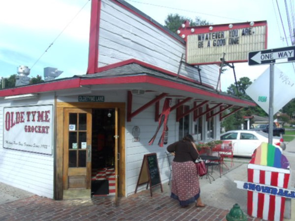 Olde Tyme Grocery. Great fun, food and PoBoys