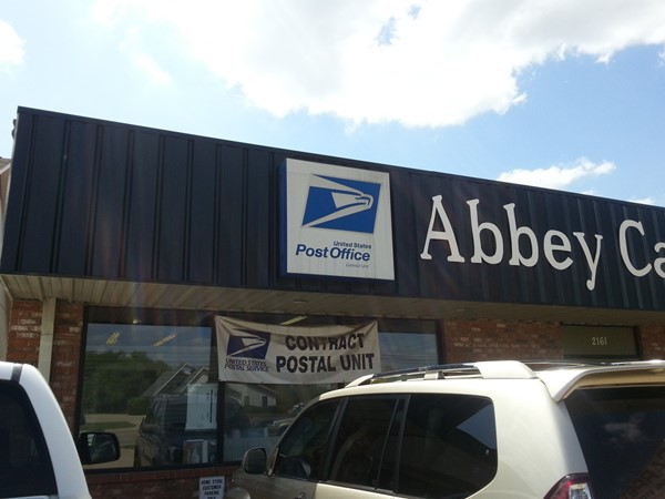 Convenient post office on Airline Drive