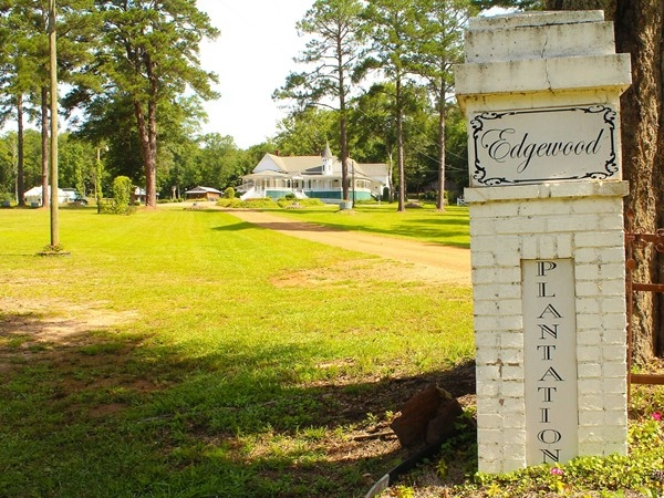 Found in Farmerville, Edgewood Plantation has hosted nearly 100 weddings and a variety of events