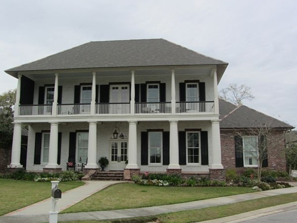 Traditional Plantation home in River Ranch