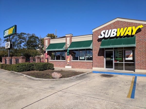 Subway is located at Railroad Ave in Hammond