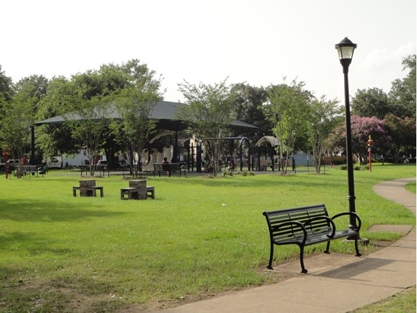 Walking paths and a children's play area are provided in the lovely square block that is Palmer Park