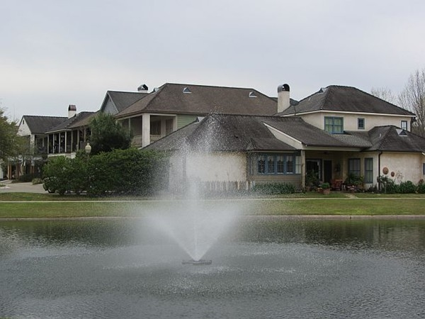 Many ponds with fountains can be found throughout River Ranch walking trails