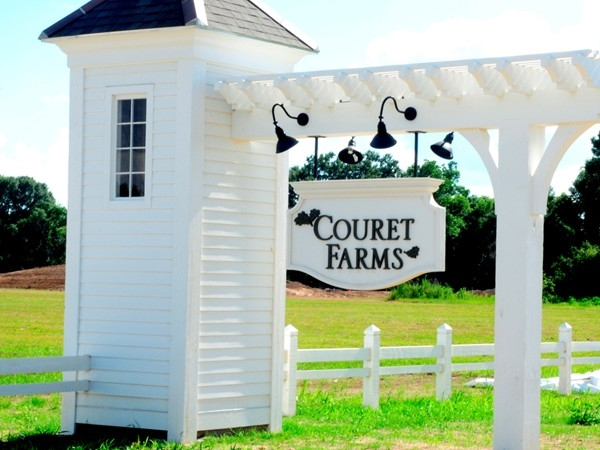 Couret Farms is a new development off Pont de Mouton which is North of I-10 in the Carencro area