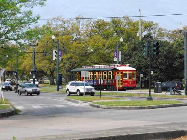 Streetcar in front of the entrance to City Park