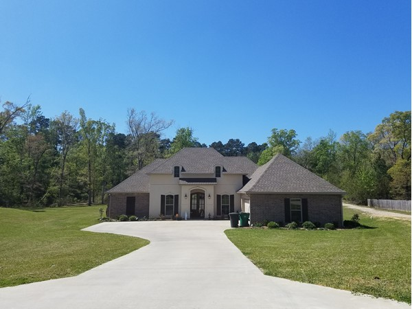 Legacy Pointe home in a peaceful setting