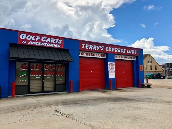 Looking for a quick oil change or inspection sticker? This is the place in Gonzales