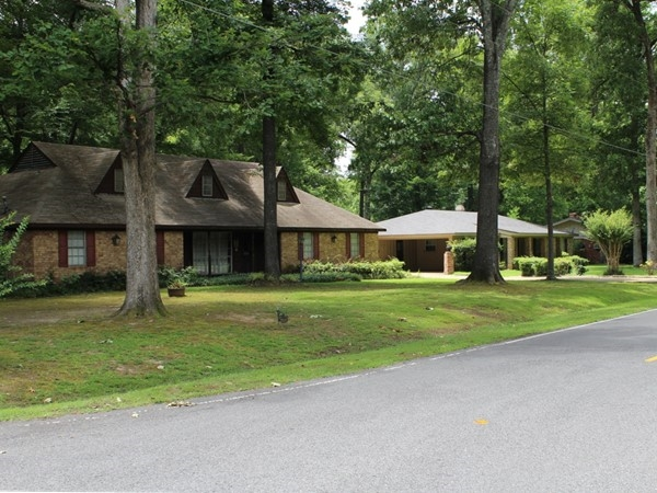 Oak park subdivision real estate homes for sale in oak for Home builders in monroe la