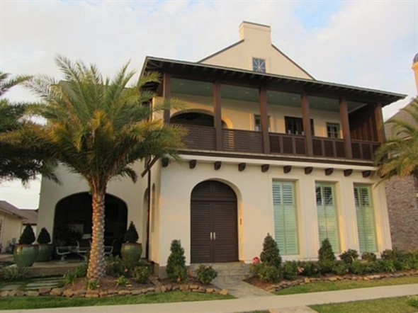 Beautiful Mediterannean home overlooking the pond in Sugar Mill Pond