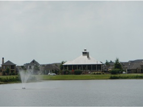 Lake and Club house of Grand Pointe