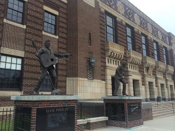 Shreveport Municipal Auditorium features many popular artists