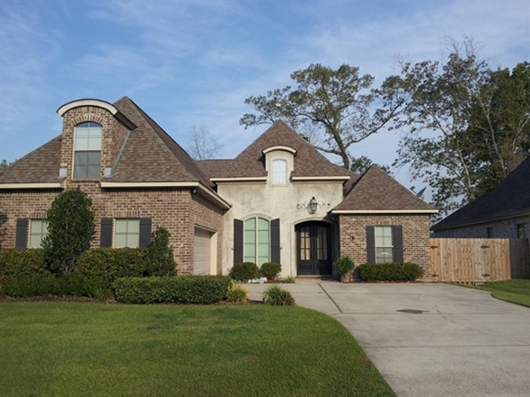 Custom home in awesome Autumn Creek Subdivision