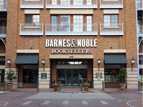 Barnes and Noble in Perkins Rowe