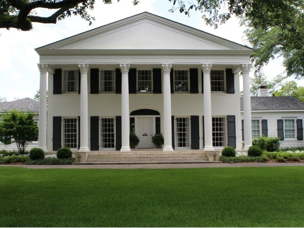 Antebellum-style homes are one of the many home designs in Country Club Place