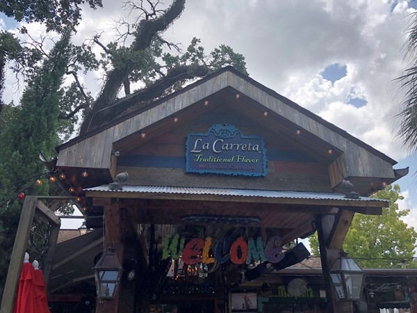 Great Mexican food and live music at LaCarreta