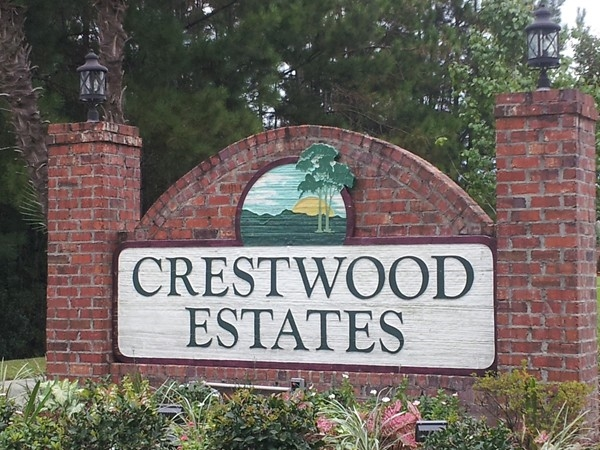 Crestwood Estates - centrally located in Covington on the Northshore