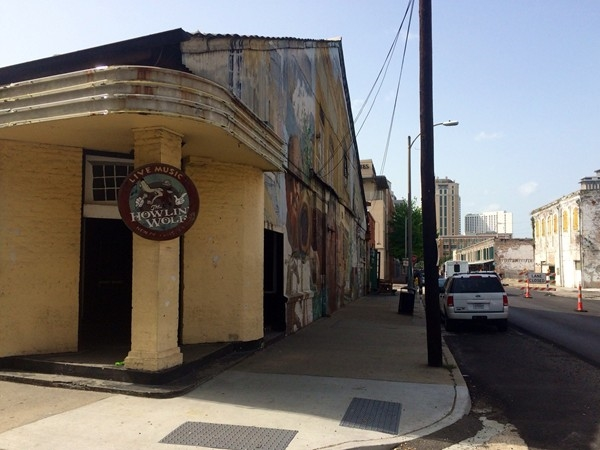 Howlin' Wolf live music venue