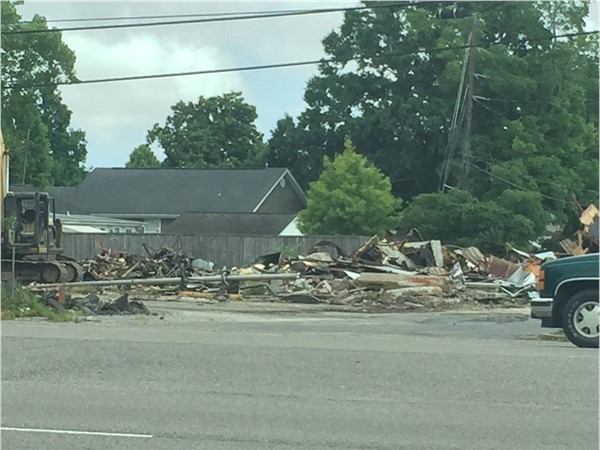 Former Burger King demolished to make way for new cafe