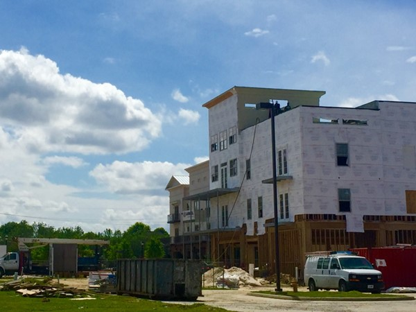 More luxury condos going up at The Settlement at Willow Grove