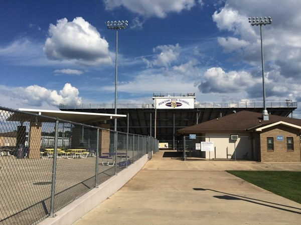 It's going down here tonight at 7:00 pm! Benton High School Tigers battle Green Oaks High