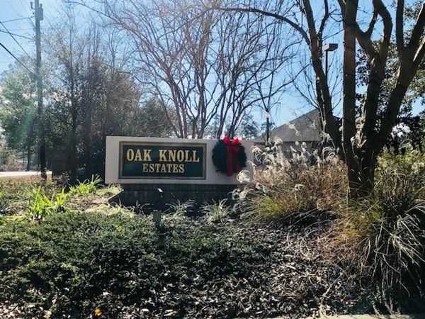 Oak Knoll Estates is just a short walk from the Oak Knoll Country Club golf course