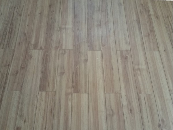 When doing a DIY floor start the row with different size pieces to avoid this