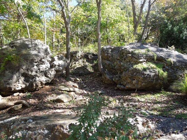 Rocks and landscape around Magnetic Springs, Eureka Springs
