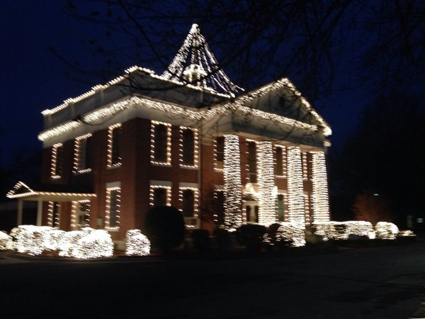 Yell County Court House decked out for Christmas