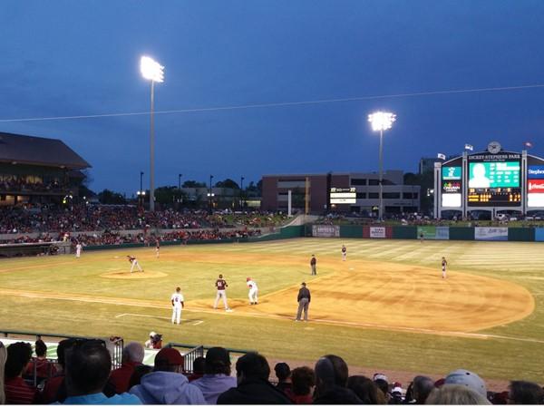 The Arkansas Razorback baseball team played ULM at Dickey-Stephens Park and won