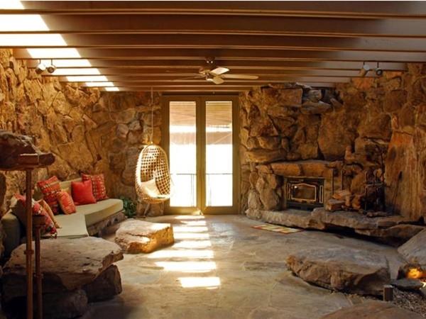 Fabulous E. Fay Jones designed property (Stoneflower) on Eden Isle