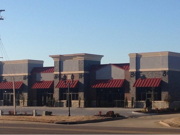 New retail building on East Parkway