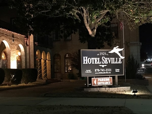 When looking for a historic downtown hotel in Harrison, stay at Hotel Seville
