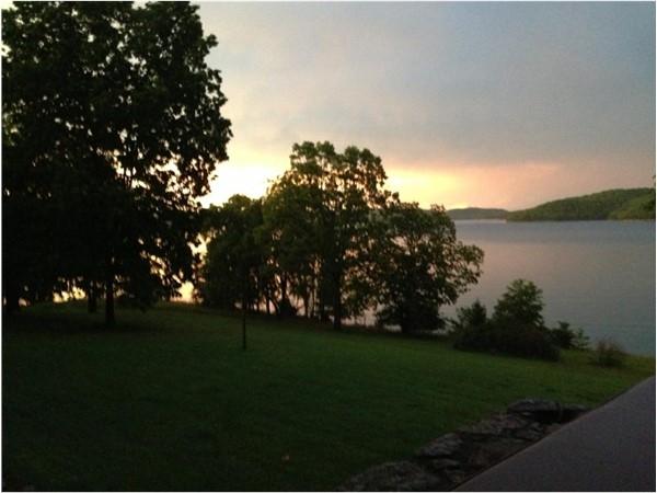 Sunset in the beautiful Beaver Lake area of Garfield