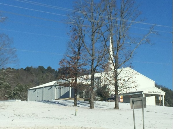 Snow at Round Rock Church in Russellville
