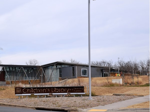 The Hillary Rodham Clinton Children's Library is located just across I-630 from the Zoo