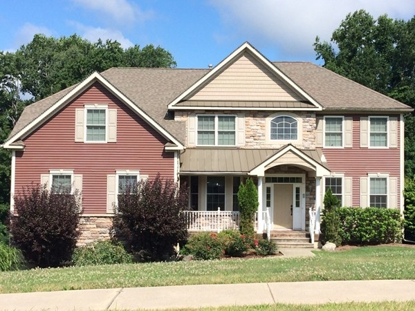 Charming home in Chadeayne Woods