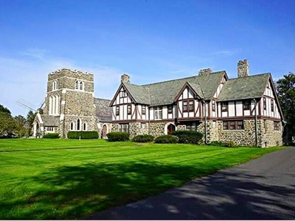 East hampton ny real estate east hampton homes for sale for Hamptons beach house for sale
