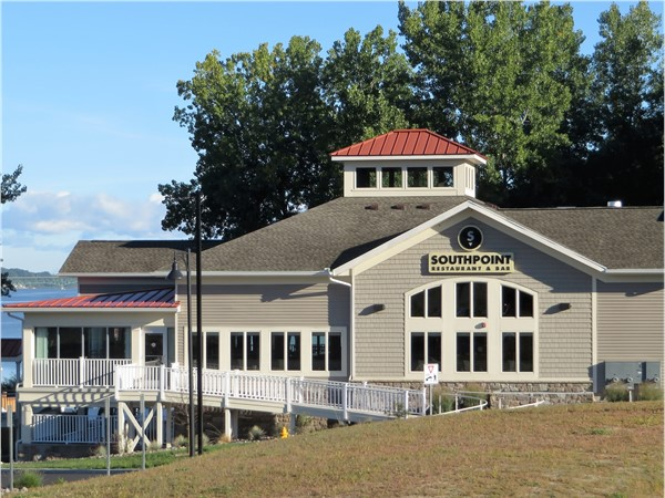 SouthPoint Restaurant & Pub on Irondequoit Bay