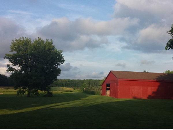 Picturesque barn and acreage in Pendleton