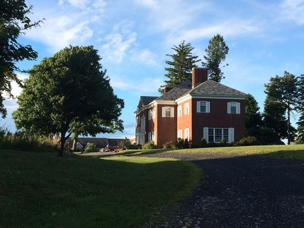 Original mansion in Mansion Ridge